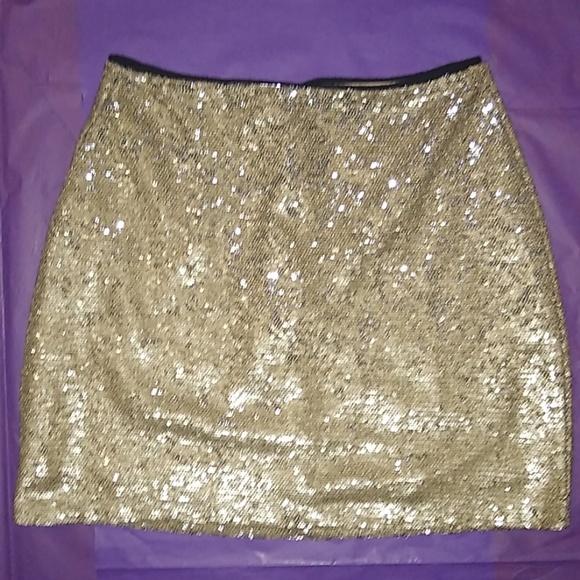 Forever 21 Dresses & Skirts - 🔥 Shimmery Gold Mini 🔥